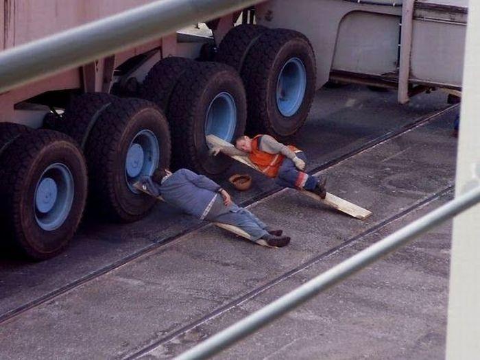 Funny People Sleeping On the Job
